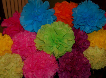 Make flowers by tissue paper how to make flowers using tissue paper is an enjoyable and easy craft to learn assuming that you are just starting out with making paper flowers there are mightylinksfo Images